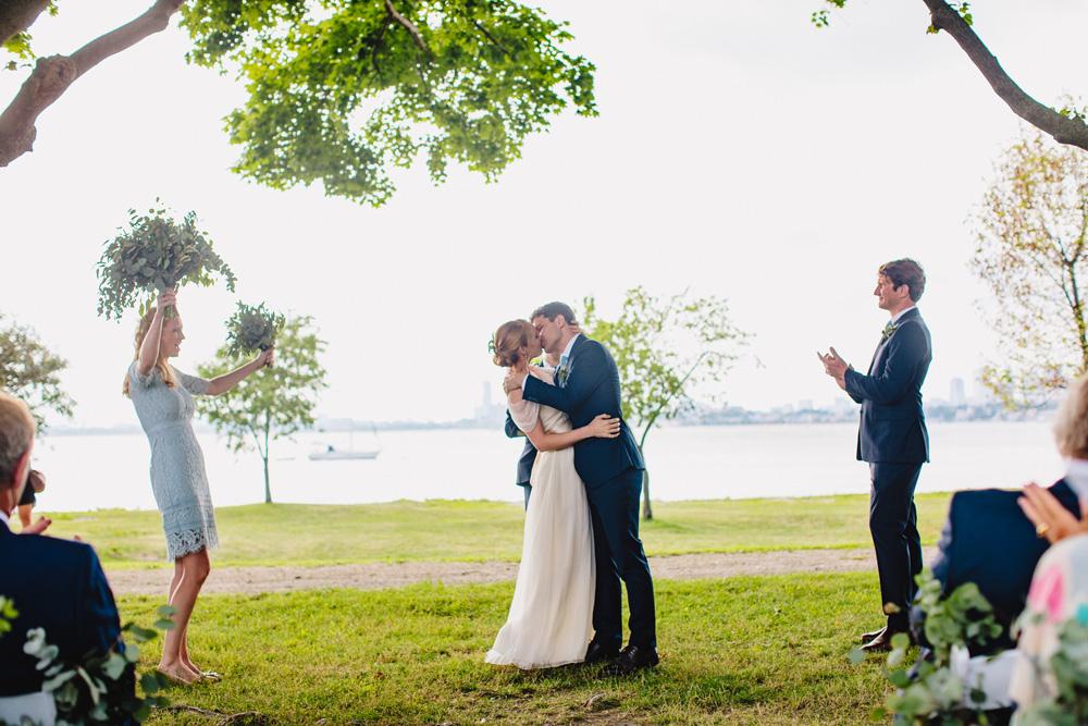 049-creative-thompson-island-wedding.jpg