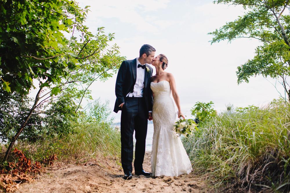 021-tupper-manor-wedding-photography.jpg