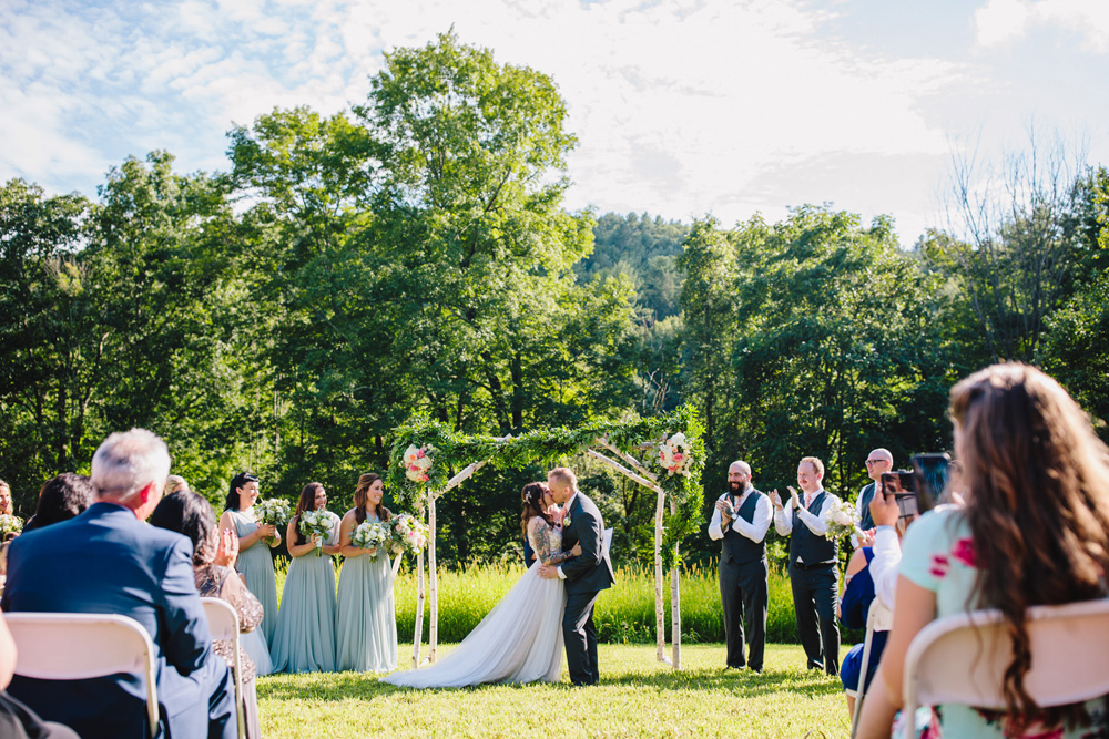 047-montague-retreat-center-wedding.jpg