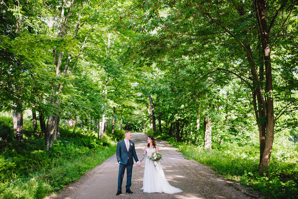 050-montague-retreat-center-wedding.jpg