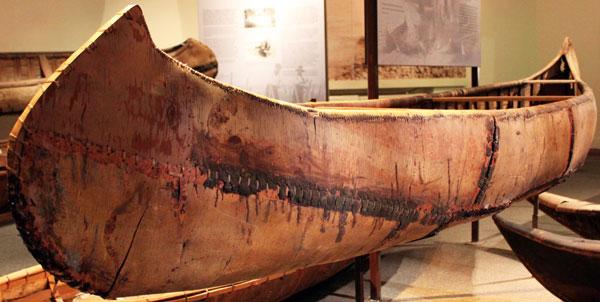 977.393-Ojibway-Cree-Bark-Canoe.jpg