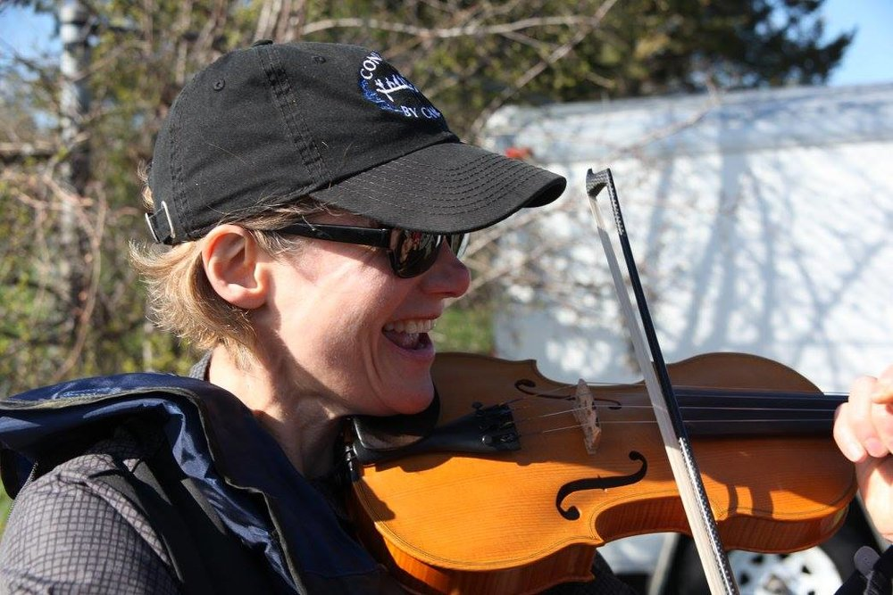 We were delighted to be joined by Fiddler extraordinaire, Kelli Trottier, from Kingston who played throughout the Ceremonial Leg from Dows Lake to the National Arts Centre.