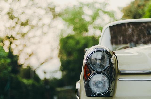 car-926087_640.jpg