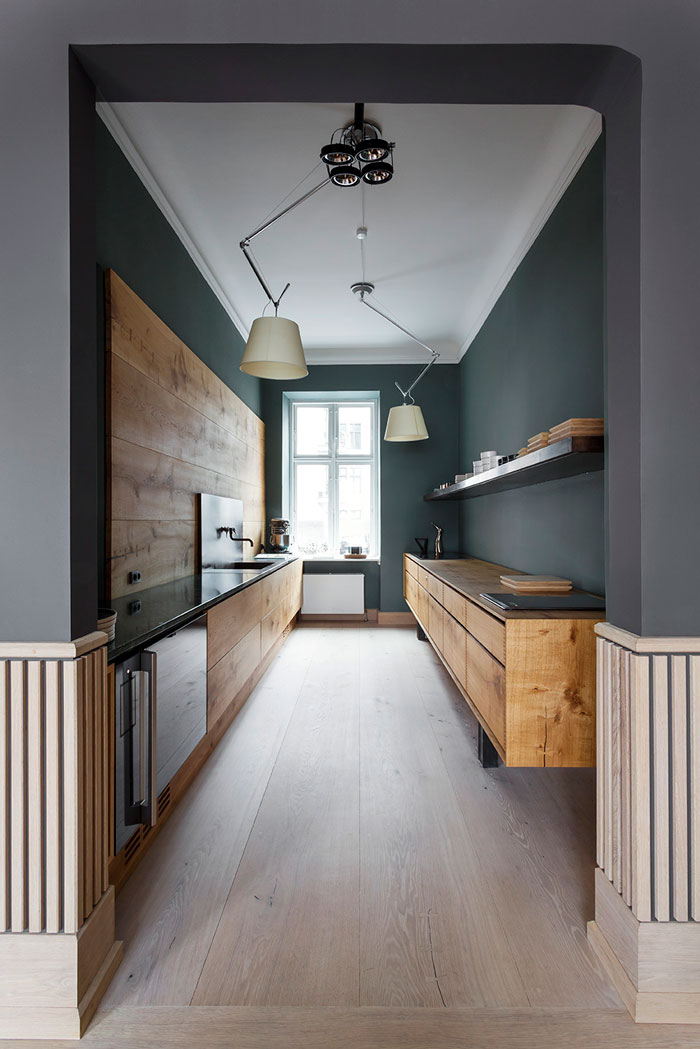 GardeHvalsoe_Kitchen_dinesen_showroom_01.jpg