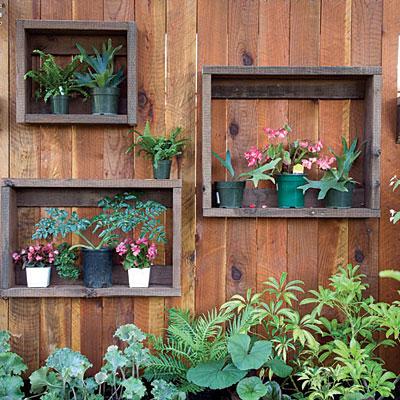 gown-garden-fence-l.jpg