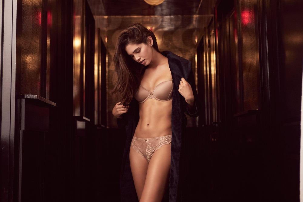 25_Nude_Lace_Tshirt_Giza_3075_web.jpg