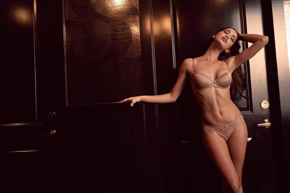 25_Nude_Lace_Tshirt_Giza_03152_web.jpg