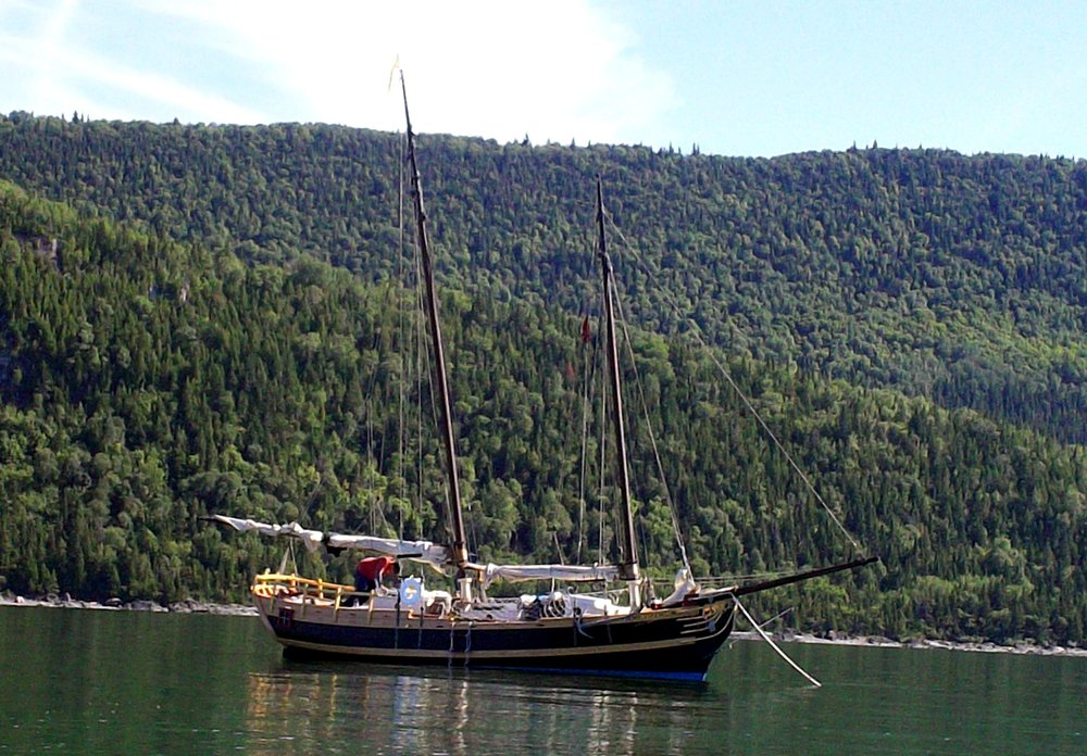 The schooner  glory  at anchor (click to enlarge)
