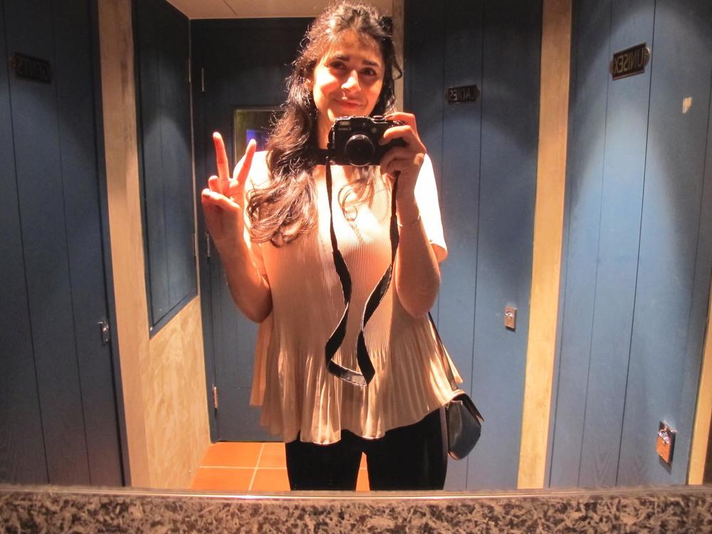 Hi it's me in the loo!