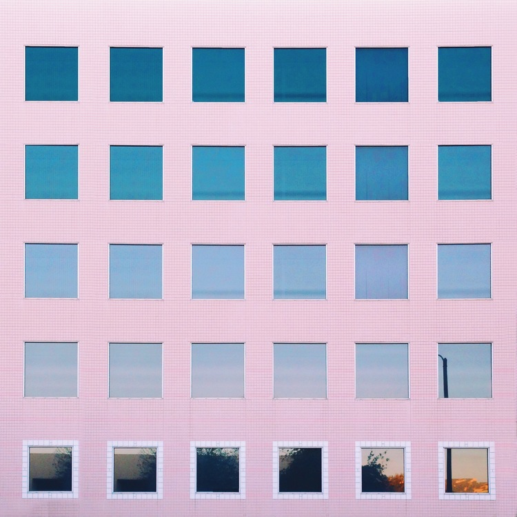 Pink_windows_skygradient.11.jpg