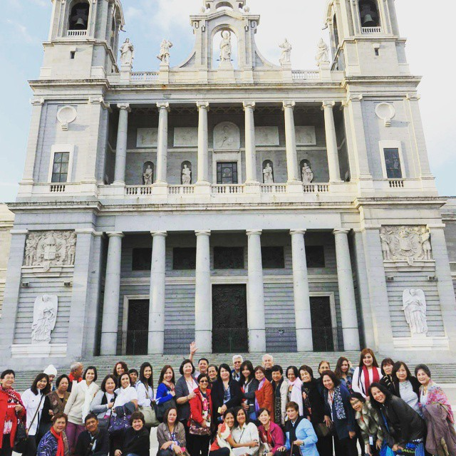 Creative travel house pilgrimage