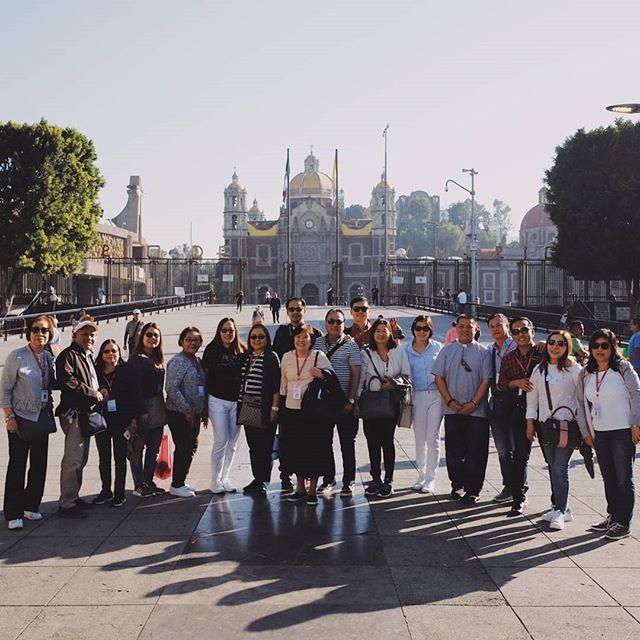 Pilgrims group photo 📸 #ourladyofguadalupe #mexico #pilgrimagetour