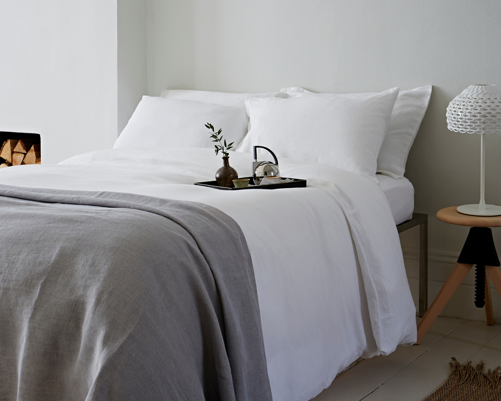 The Linen Works Soft White Bed Linen and Hand Loom Linen Throw in Soft Grey