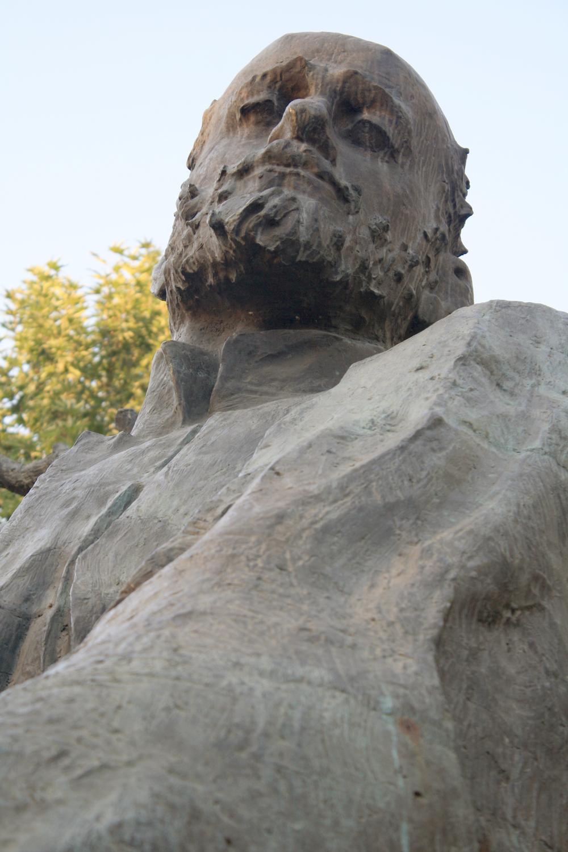 Komitas'_sculpture_05.JPG
