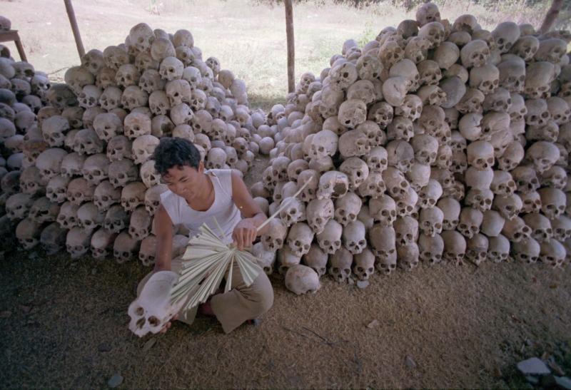 геноцид в Камбодже.jpg