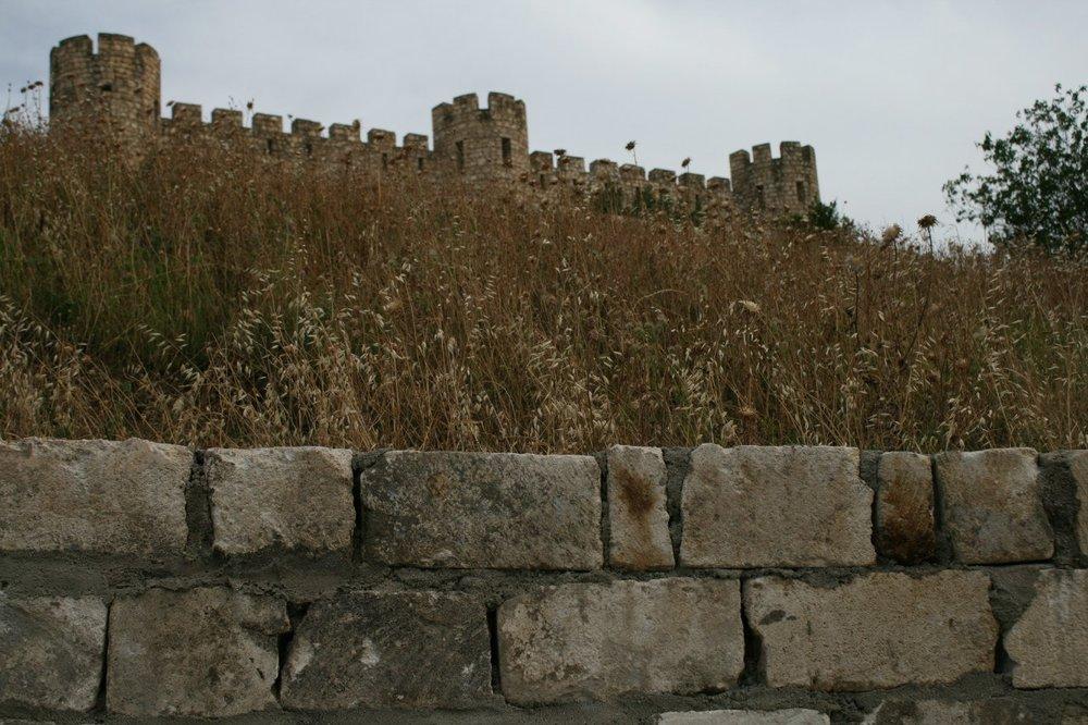 Дорога в Агдам. Крепость-музей Тигранакерт, одно из must-see в Карабахе.