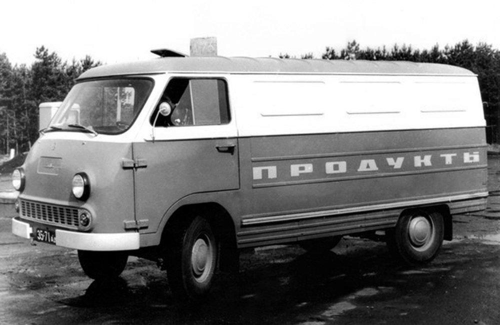 Такие ЕрАЗы-762, неспешно модернизируя, выпускали три десятилетия