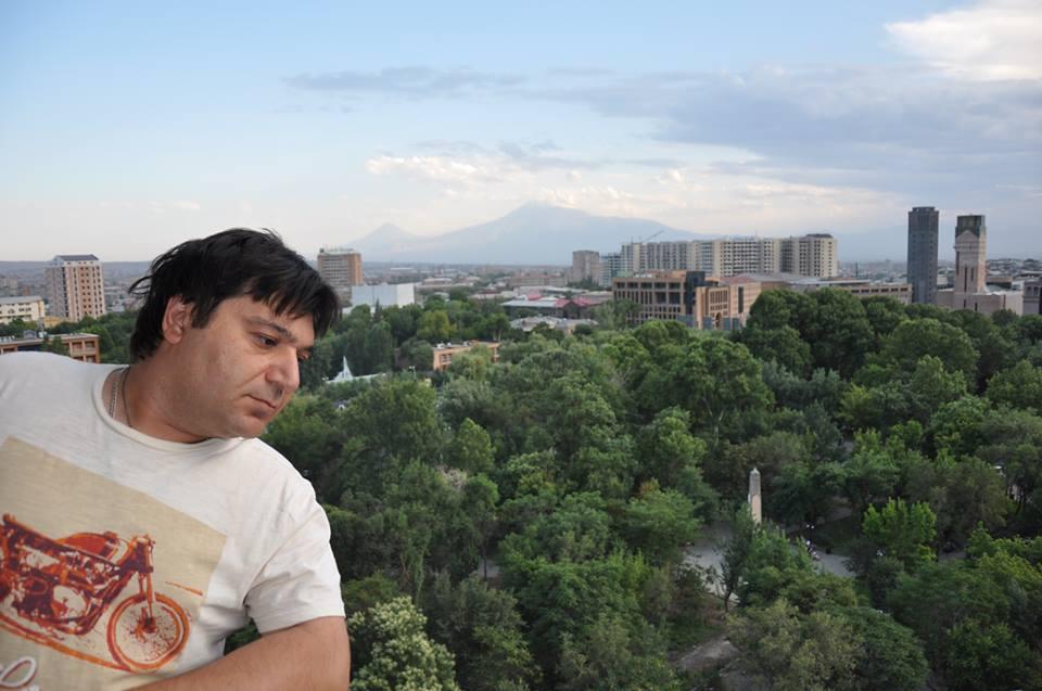 Вадим Арутюнов все же за преодоление тех ментальных особенностей, которые появились не только за последний век, но и за многие столетия распыления армянства.