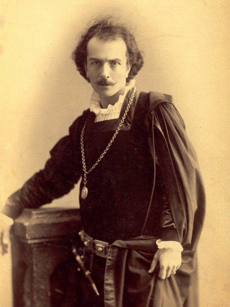 Адамян был признан лучшим Гамлетом второй половины XIX века в мировом масштабе. Сам Эрнесто Росси, считавшийся непревзойденным Гамлетом, увидев Адамяна в этой роли, подарил ему свою фотографию с дарственной надписью: «Адамяну — Первому в мире Гамлету».