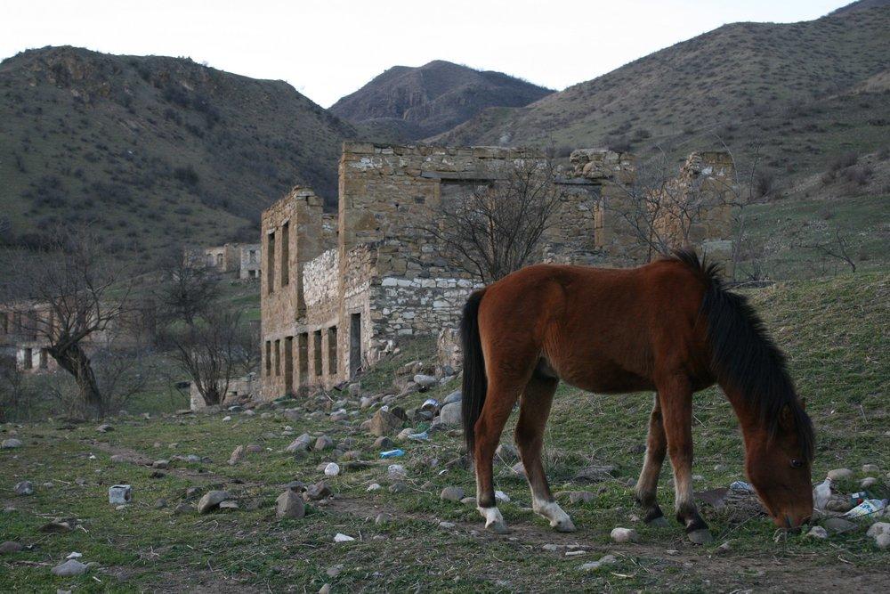Село Матагис, въезд со стороны Мардакерта. До Тонашена 8 километров, до Талыша - девять. До апреля 2016 года
