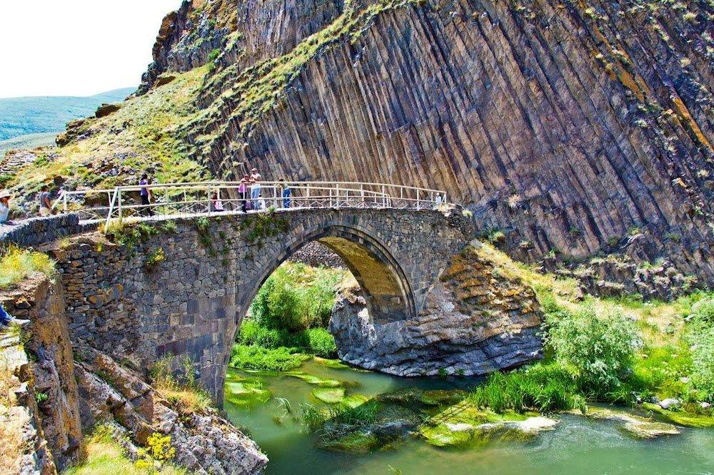 most_melik_tangi_armeniya.png