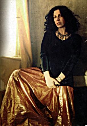 Лилит Пипоян - представитель жанра авторской песни, сама сочиняет слова и музыку своих песен, которые покоряют своей искренностью и самобытностью.