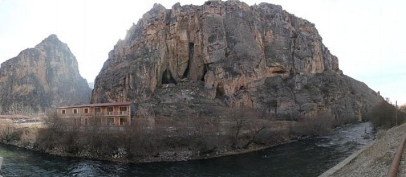 800px-Areni-1_cave_panorama.jpg