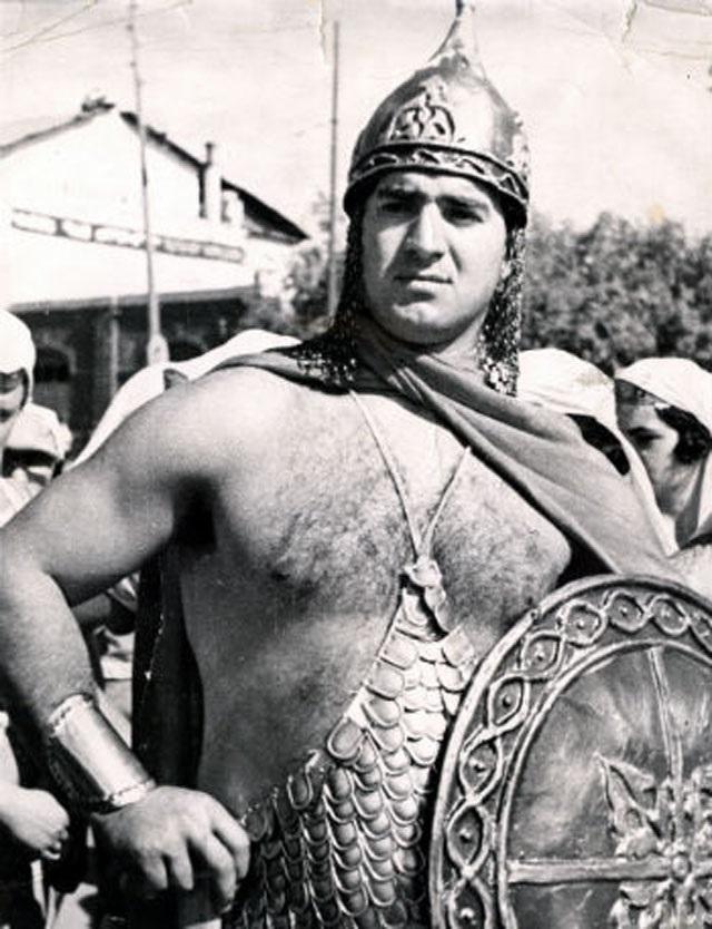 Серго Амбарцумян в 1939 году рольДавида Сасунскогок 1000-летию армянского эпоса.