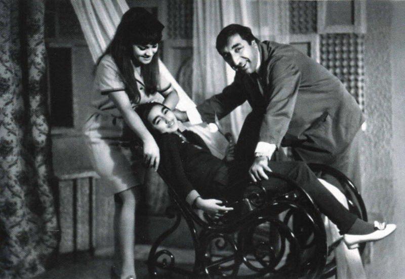 Фрунзик с женой Донарой и дочерью Нунэ