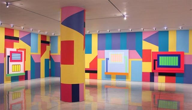 В течение всего XXI века Хелли продолжал использовать в своей живописи свои знаковые «ячейки», «тюрьмы» и «каналы», так как его основным предметом остается организация социального пространства.