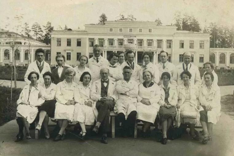Клинический туберкулезный санаторий пос. Кратово, фотография 1935 года/архитектор А.Таманян