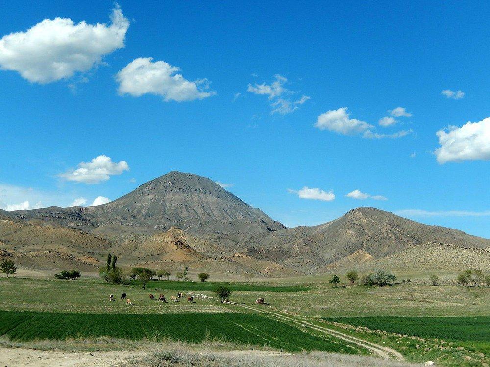 Урцский хребет неподалеку от пустыни