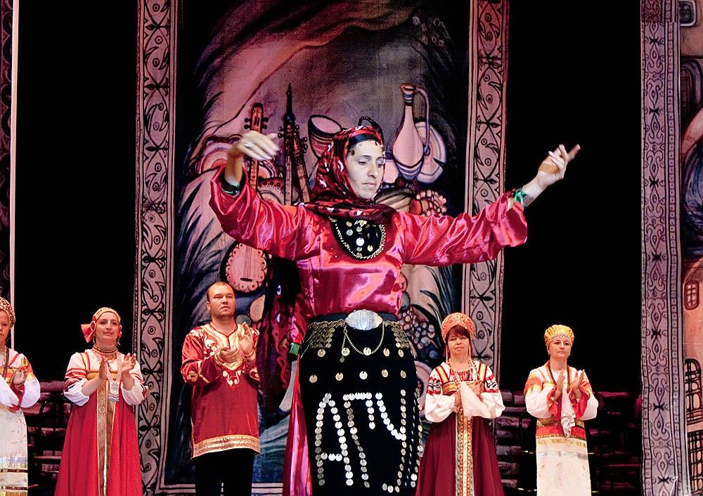 Аварский народный костюм