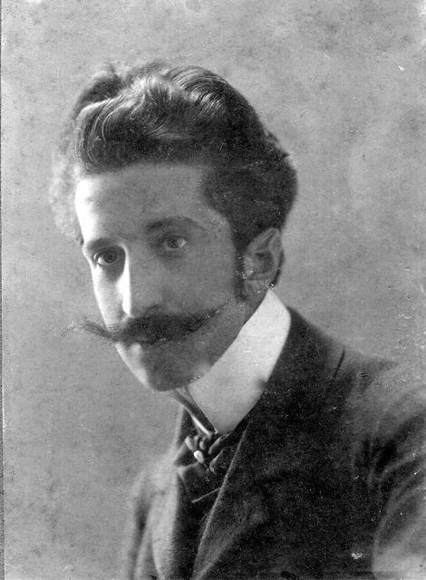 Родившись в Одессе, Михаил большую часть детских и юношеских лет провел в феодосийском доме своего дедушки.