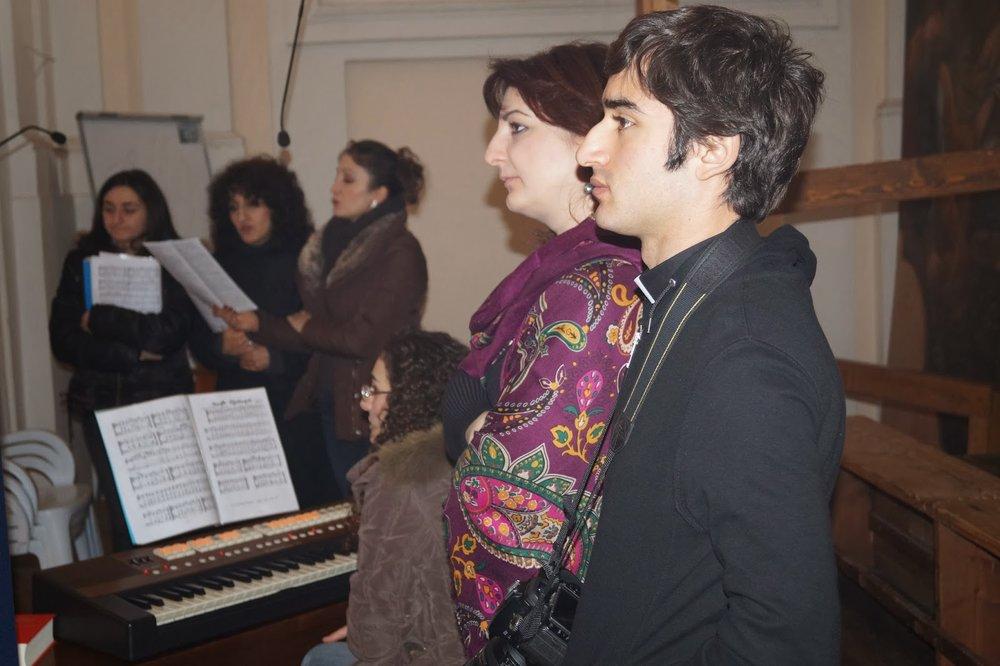 С целью сближения двух культур – армянской и итальянской, она учреждает и возглавляет Союз армянских талантов Италии и открывает интернет-портал www.unionetalenti.it.