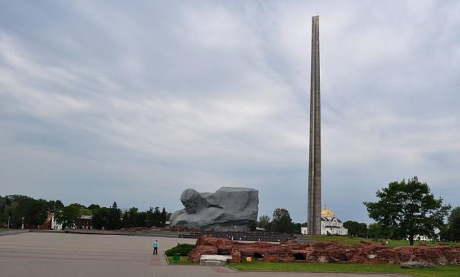 Сегодня «Брестская крепость-герой» –крупнейший на постсоветском пространстве памятник мужеству советского народа в годы Великой Отечественной войны. www. hero.bsu.b