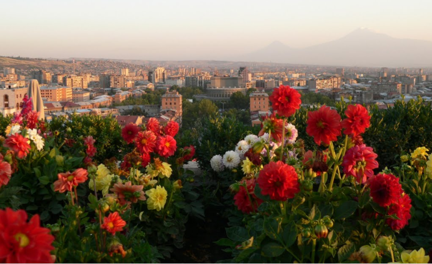 Ереван. Вид с Каскада. фото www. ssl.panoramio.com