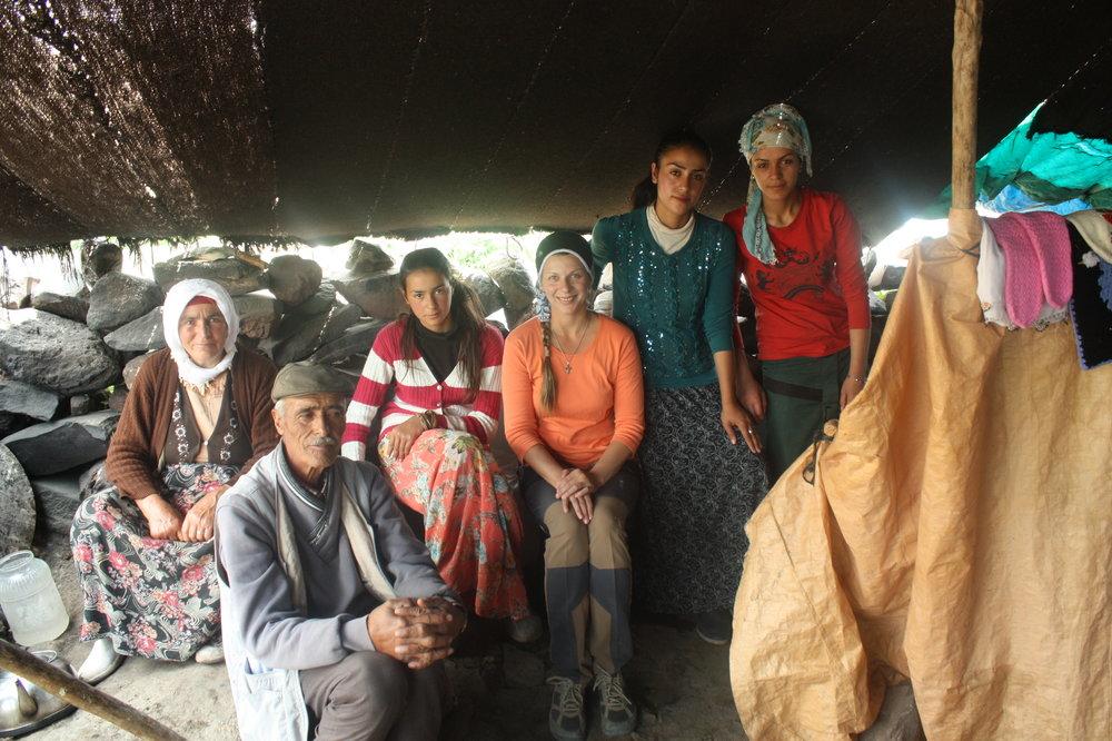 В курдской семье на высоте 3000 метров. Глава семейства  - на четвертинку армянин. Его прадед - дитя, спасенное простой курдской семьей во время геноцида армян..JPG