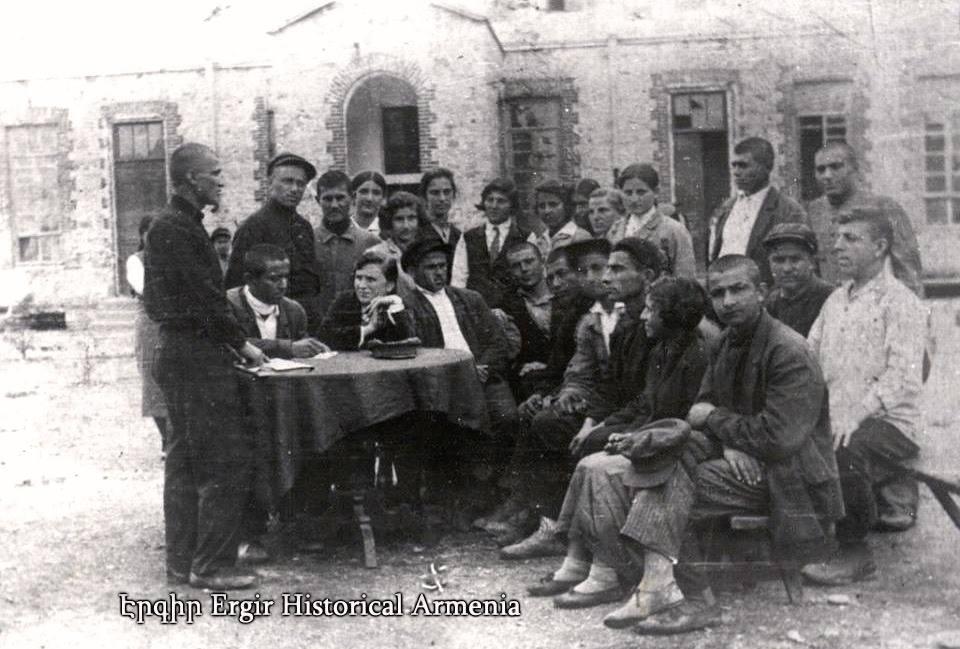 Сухумская армянская школа. 1913 год
