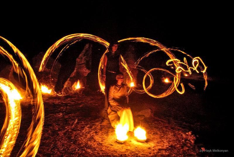 """Ночь Огненных Драконов.Фото Айка Мелконяна из цикла """"Власть огня"""""""