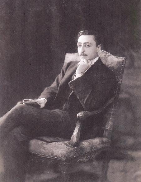 Леон Манташев