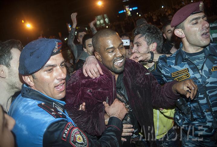 Kanye West article-16.jpg
