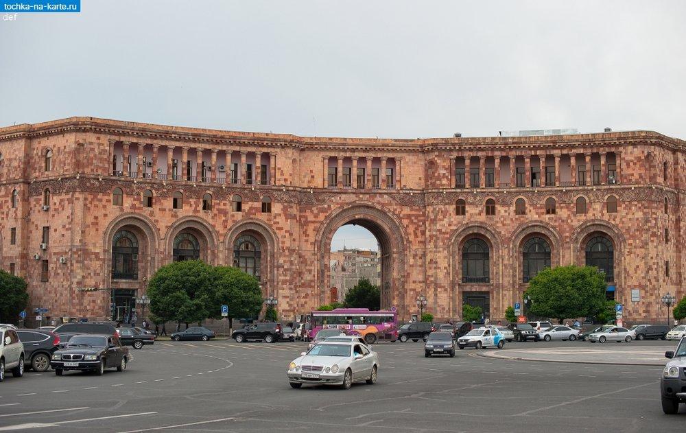 5123-Centralnoe-zdanie-pochty-Respubliki-Armenija-v-Erevane.jpg
