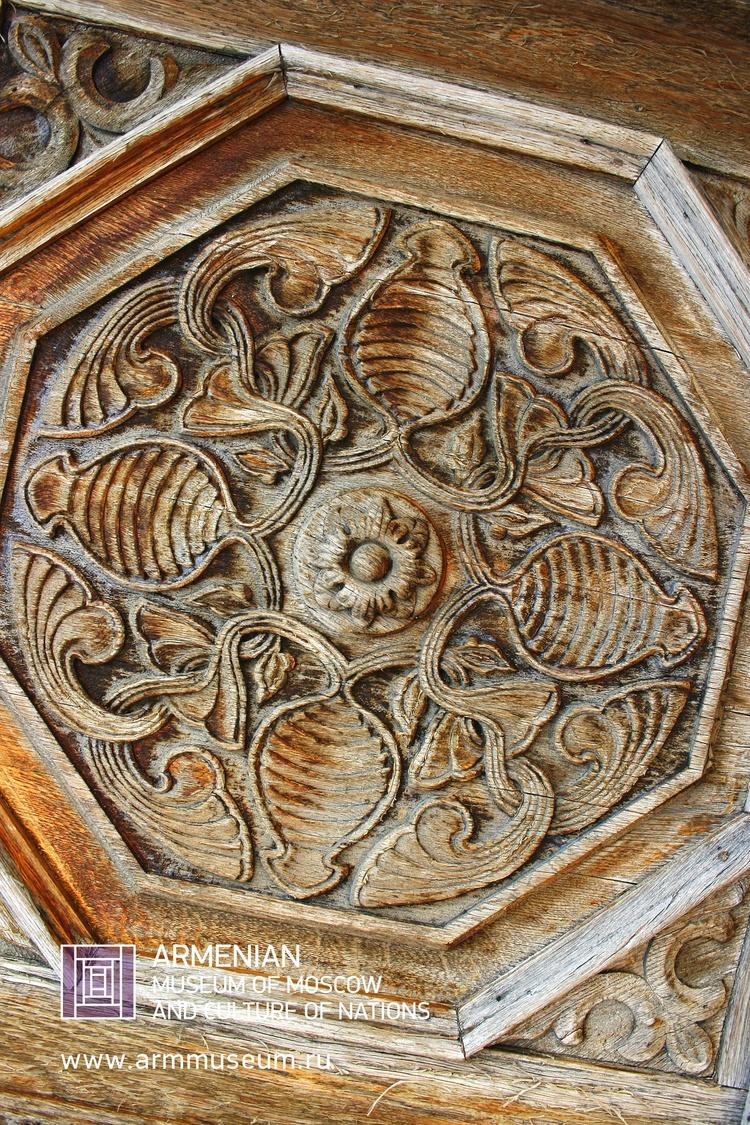 ....  Старинный дверной орнамент, Гюмри  ..  Ancient door ornament, Gyumri  ..  Հին դռան գեղանկար, Գյումրի  ....
