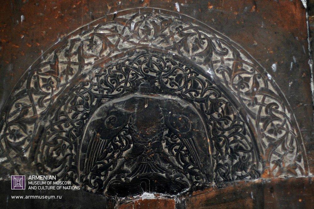 ....  Гравировка внутри храма  ..  Engraving in the temple  ..  Քանդակ եկեղեցում  ....