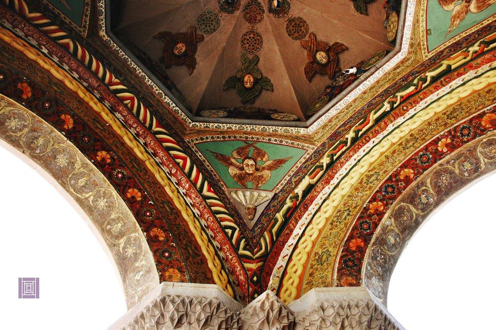 ....  Фрески и орнаменты Эчмиадзинского монастыря  ..  The frescoes and ornaments of the Etchmiadzin Monastery  ..  Էջմիածնի վանքի որմնանկարներն ու գեղաքանդակները  ....