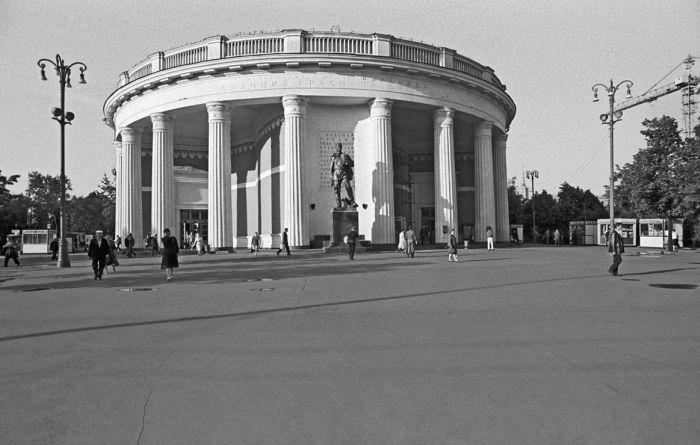 Вестибюль станции метро «Краснопресненская», 1982 год