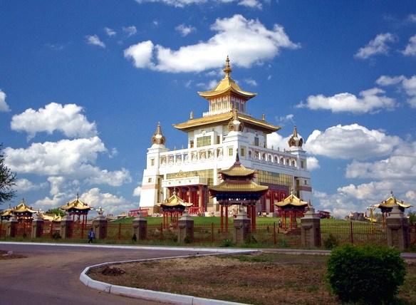 Столица Калмыкии - Элиста. фотоhttp://mtdata.ru