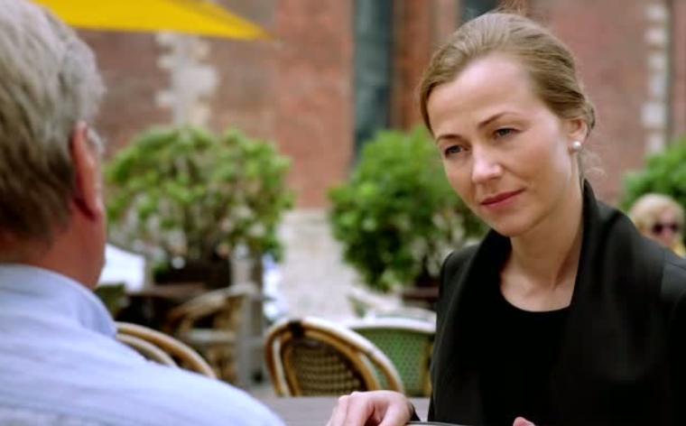 «Даже без слов она будет упрекать, что она была храбрей, чем он. И она не могла смириться с ситуацией», - считает актриса Майя Довейка, сыгравшая в фильме Айка Карапетяна главную женскую роль.
