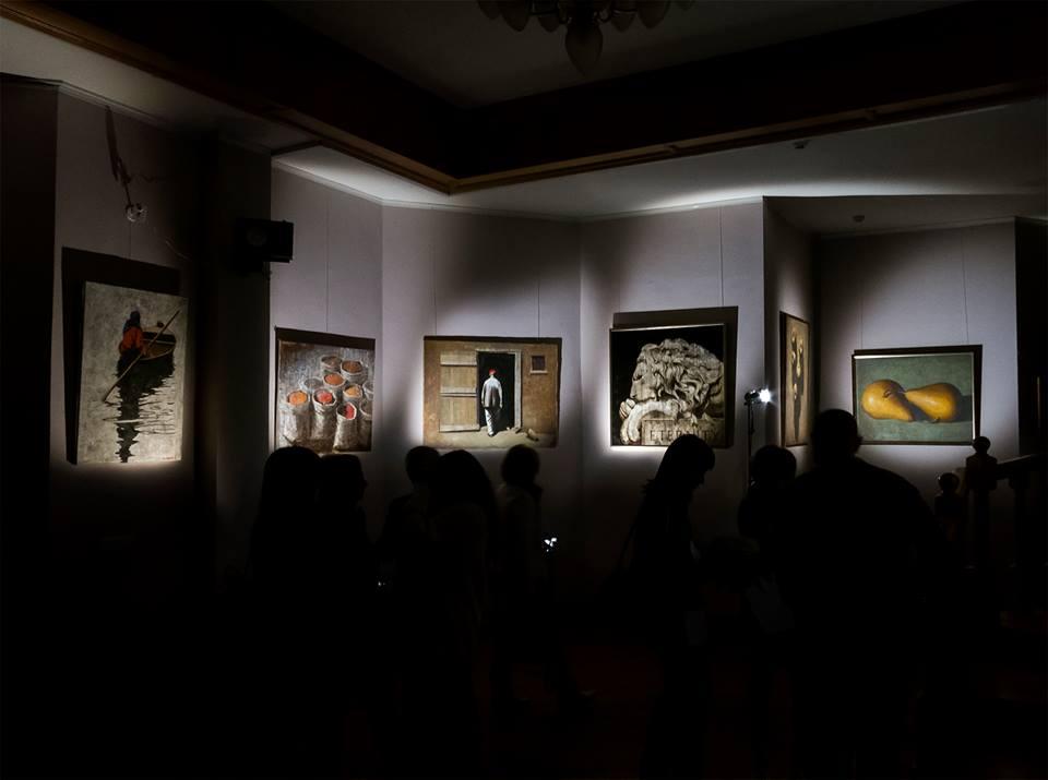 В Государственной библиотеке искусств имени А.П. Боголюбова открылась выставка Юрия Григоряна-младшего Dark&Light. Фото Александра Кондрусева